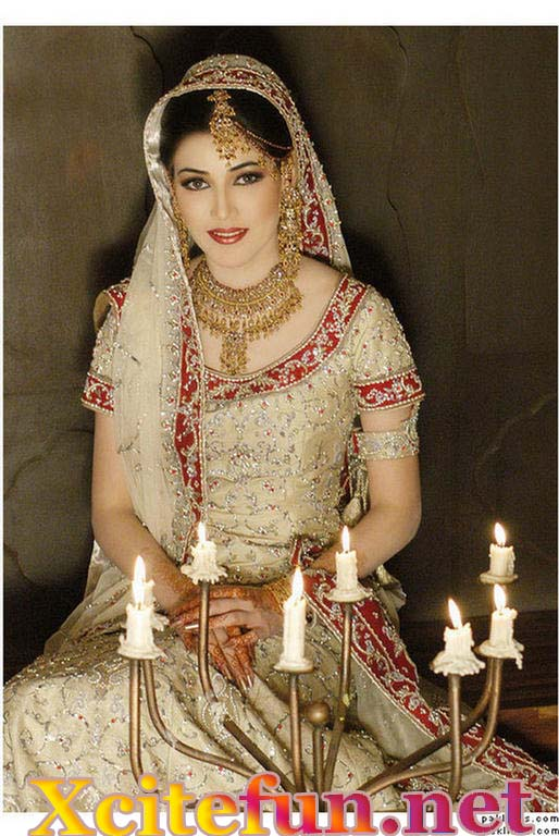 Re Indian Bridal Makeup With Stunning Jewelry And Dresses