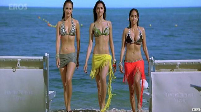 Housefull 2010 - Movie Stills 150397,xcitefun-housefull-stills-grils
