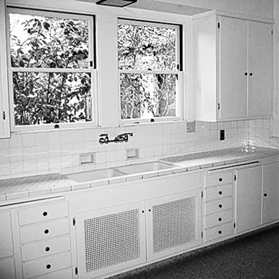 Amazing home makeovers befor aftter for 1930 s kitchen cabinets