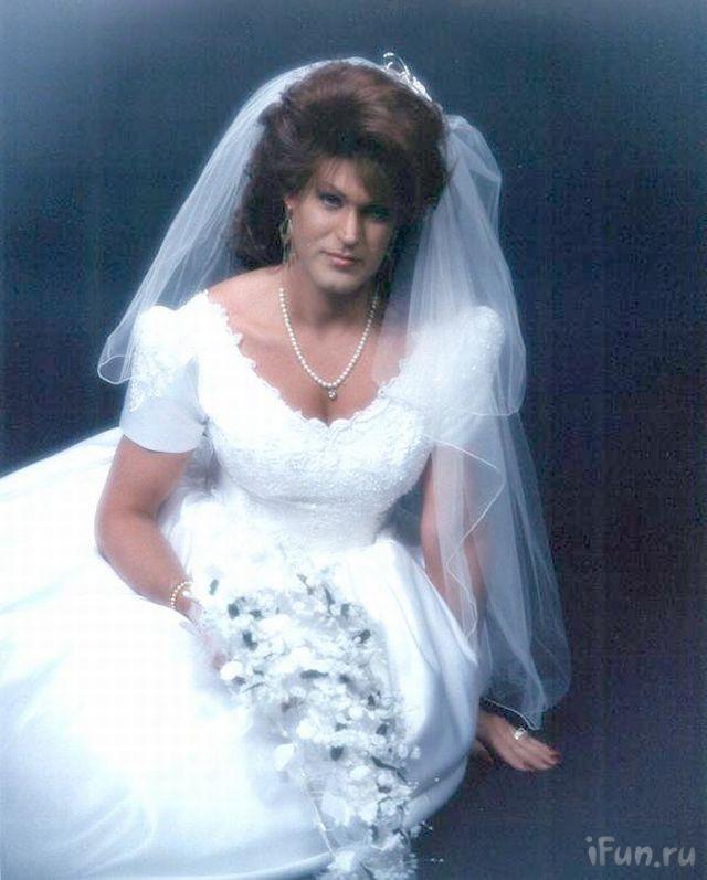 Men in wedding dresses for Best wedding dresses for mens