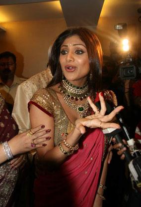 Shilpa Shetty, Raj Kundra Engagement Pics 158058,xcitefun-4iec28