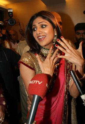 Shilpa Shetty, Raj Kundra Engagement Pics 158060,xcitefun-2v9qlvb