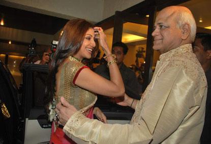 Shilpa Shetty, Raj Kundra Engagement Pics 158061,xcitefun-2ltcpe