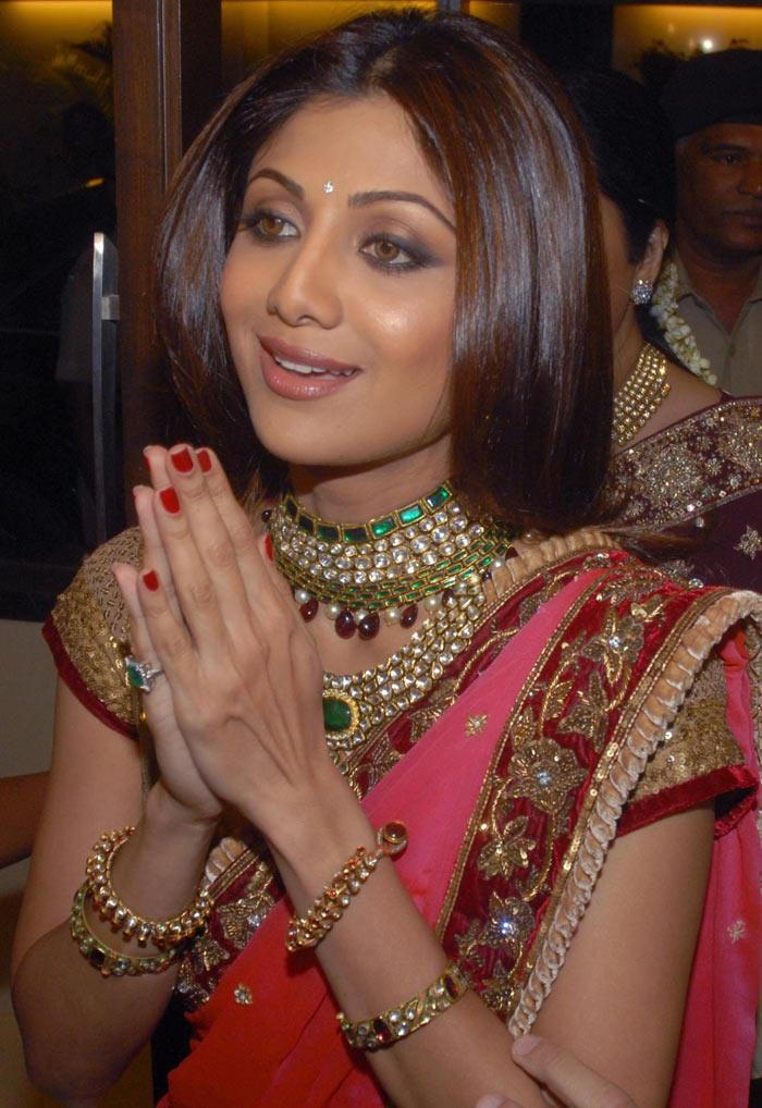 Shilpa Shetty, Raj Kundra Engagement Pics 158062,xcitefun-30xfw41