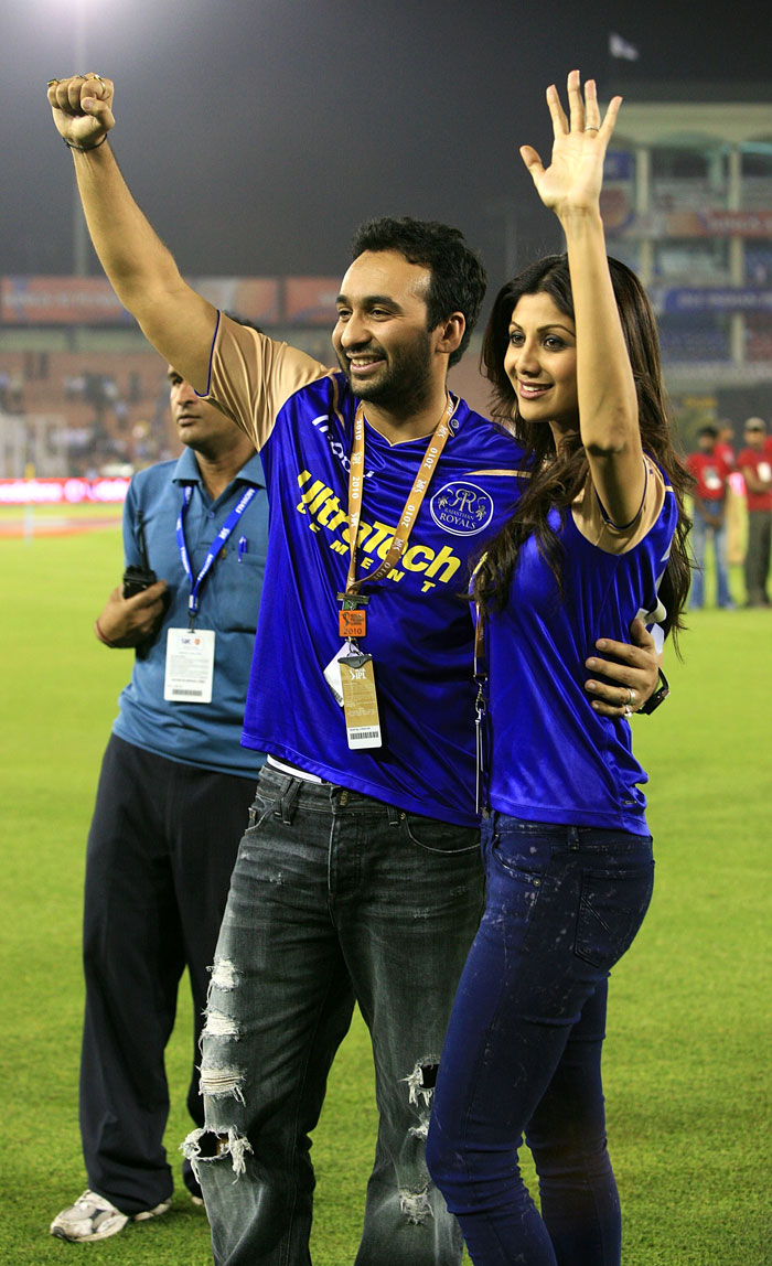 Shilpa Shetty and Prety Zinta IPL Matches Images 158190,xcitefun-2j1l9gl
