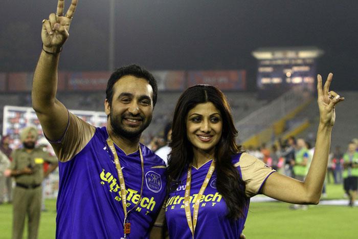 Shilpa Shetty and Prety Zinta IPL Matches Images 158193,xcitefun-r7j7na