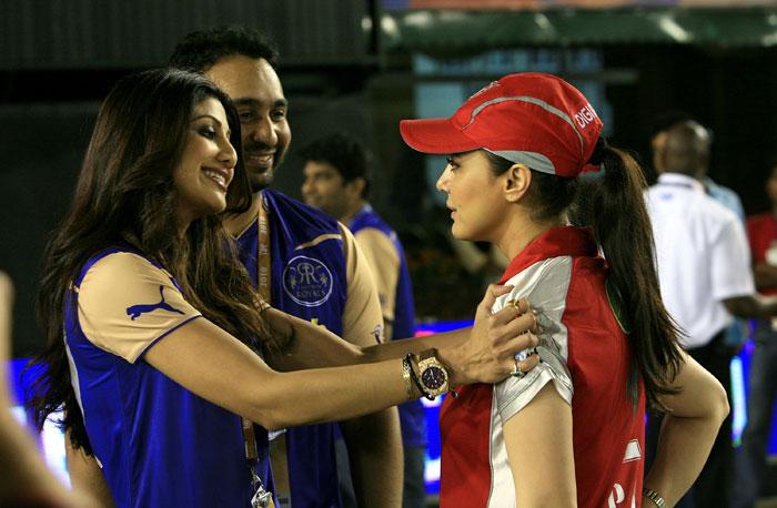 Shilpa Shetty and Prety Zinta IPL Matches Images 158194,xcitefun-svsx3l