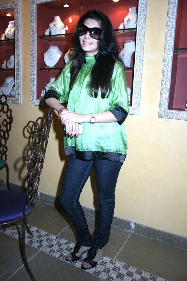 Neha Oberoi At The Launch Of Tisya Jewellery Shop 158705,xcitefun-223-1
