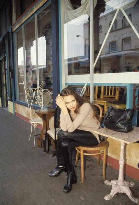 Anjelina Jolie IMAGES when she Was 19 YEARS old 158836,xcitefun-anjelina-10
