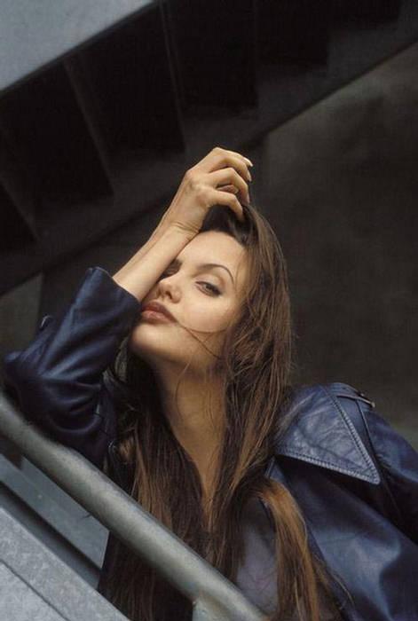 Anjelina Jolie IMAGES when she Was 19 YEARS old 158844,xcitefun-anjelina-02