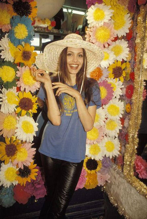 Anjelina Jolie IMAGES when she Was 19 YEARS old 158846,xcitefun-anjelina-15