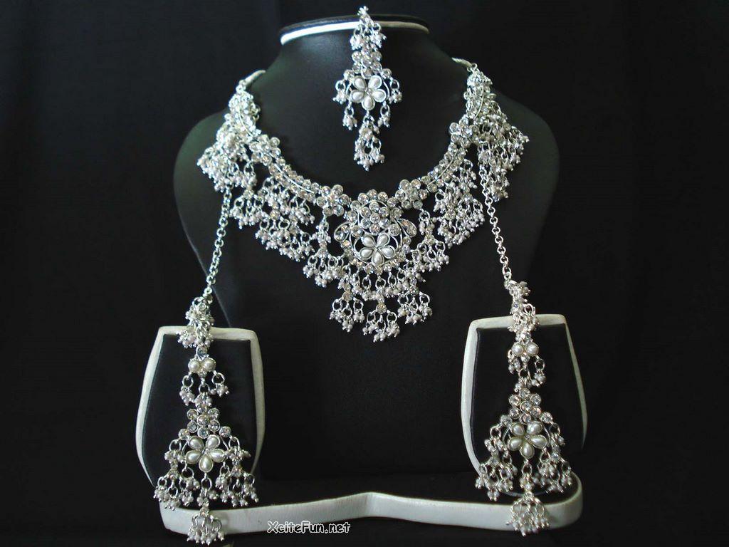Unique Diamond Jewelry for Wedding - XciteFun.net