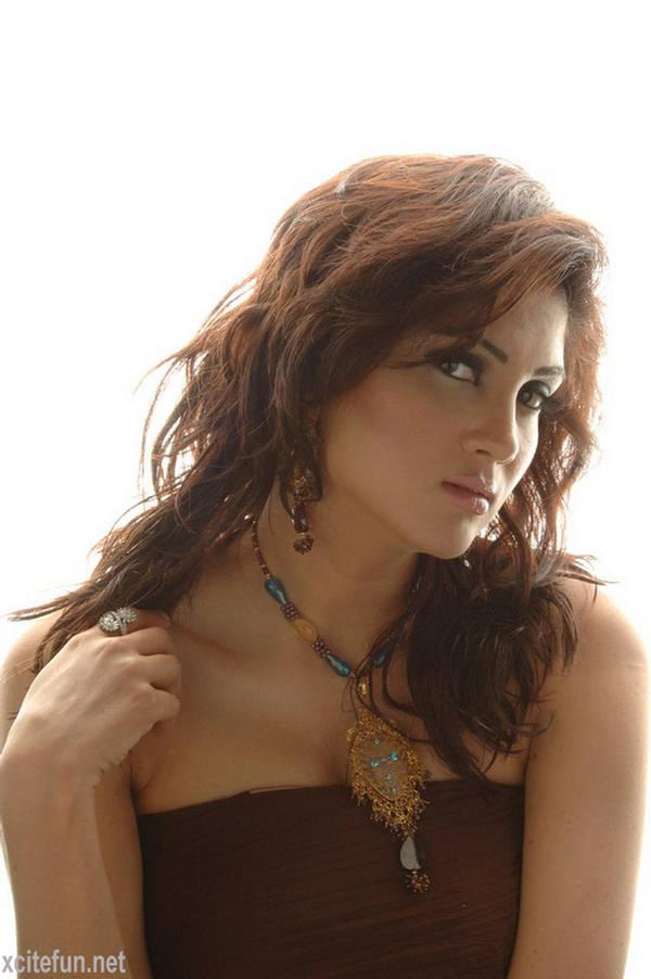 Fiza Ali Pakistani Fashion Model - HQ Pictures