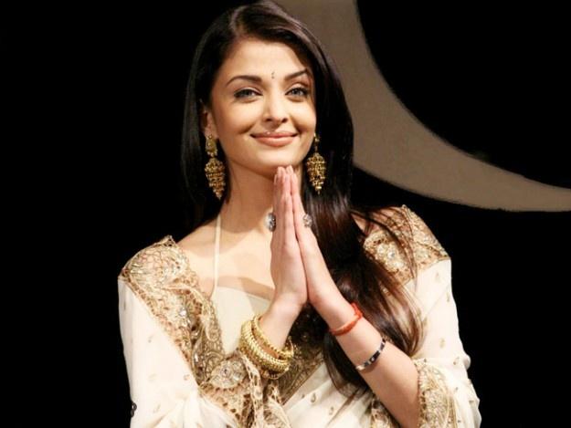 Aishwarya Bachchan - Stunning Beauty Queen