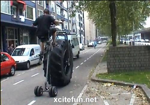 178682,xcitefun-monster-tricycle-5.jpg