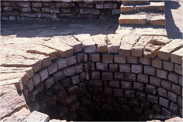 Mohenjo Daro Sewer System - klejonka