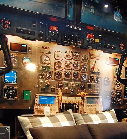 The Airplane Cockpit Themed Bedroom Xcitefun Net