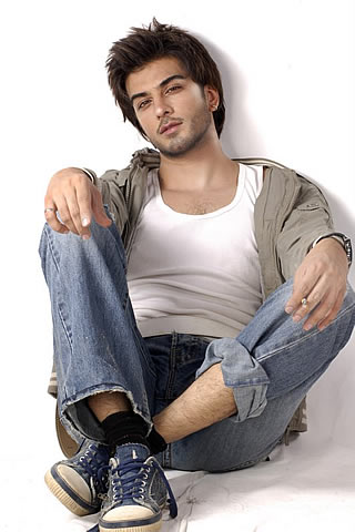 Imran Abbas Family http://forum.xcitefun.net/hottest-model-in-pakistan-imran-abbas-t49457.html