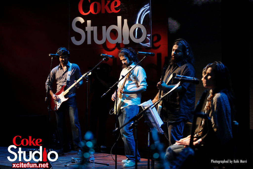 Aunty Disco Project Sultanat - Coke Studio Song : Music Mania