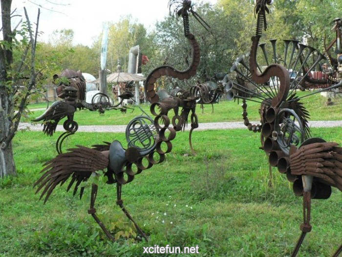 Yard Art Ideas http://forum.xcitefun.net/metal-yard-the-bird-band-t49869.html