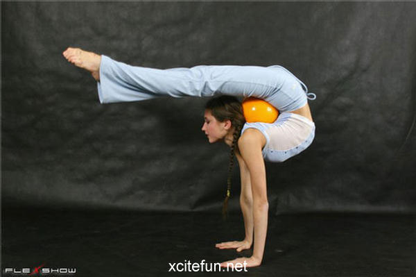 Elastic Girls The Flexible Show Xcitefun Net