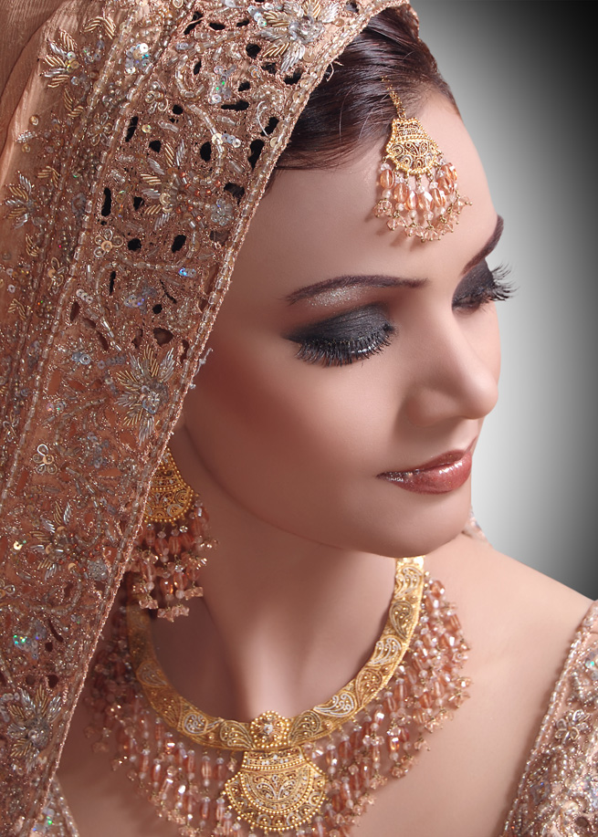 Bridal Makeup Looks Smokey Eye Pakistani 2012 Tips ...
