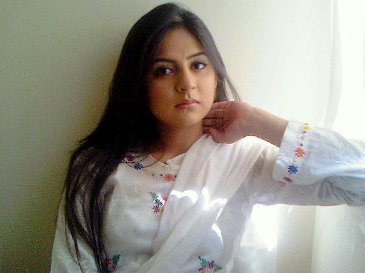 206512xcitefun sanam baloch 8 - Gorgeous Sanam Baloch