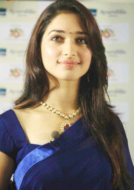 tamanna gorgeous in blue saree xcitefunnet