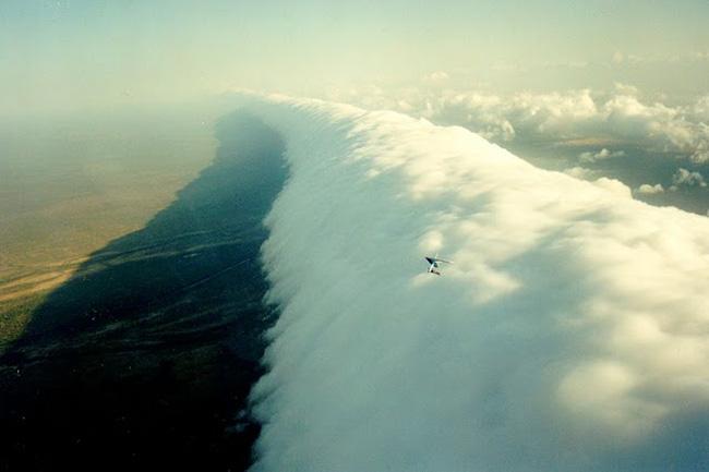 الصور المدهشة والغامضة السماء جميع أنحاء العالم