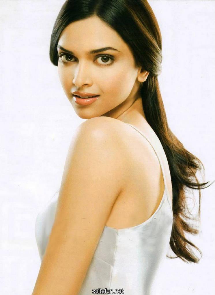 om wallpapers. the blockbuster Om Shanti