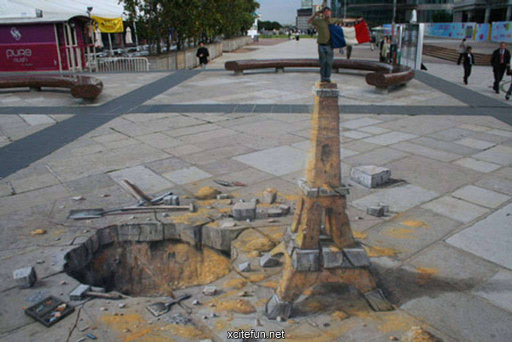 Julian Beever. Street art. The paintings on the pavement