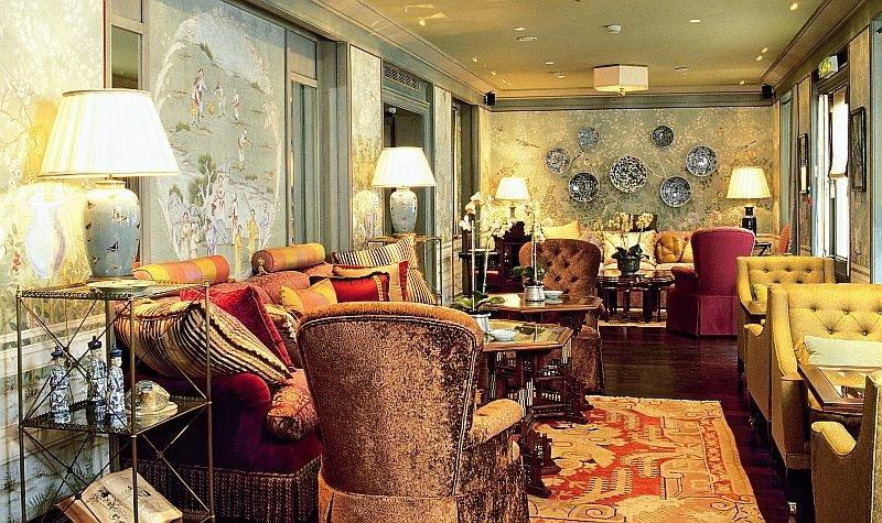 classic interior design and decoration living room