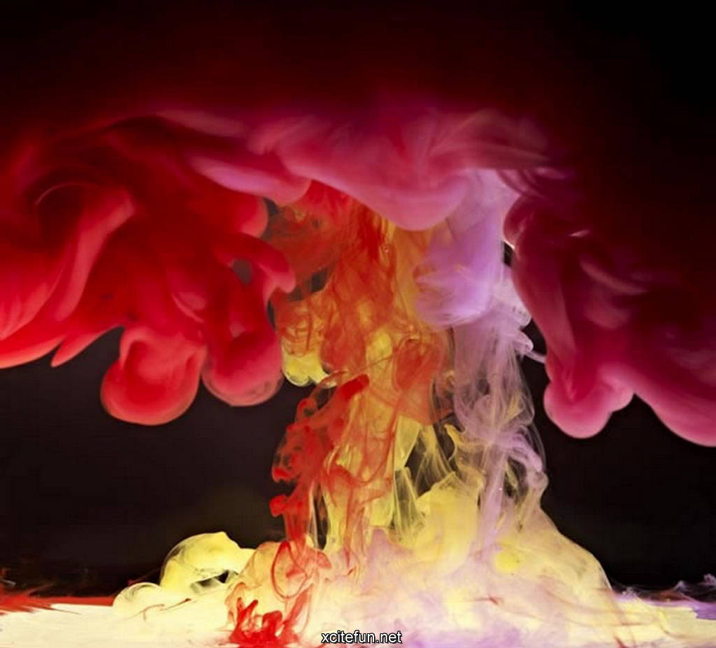 spectacular paint in water photography