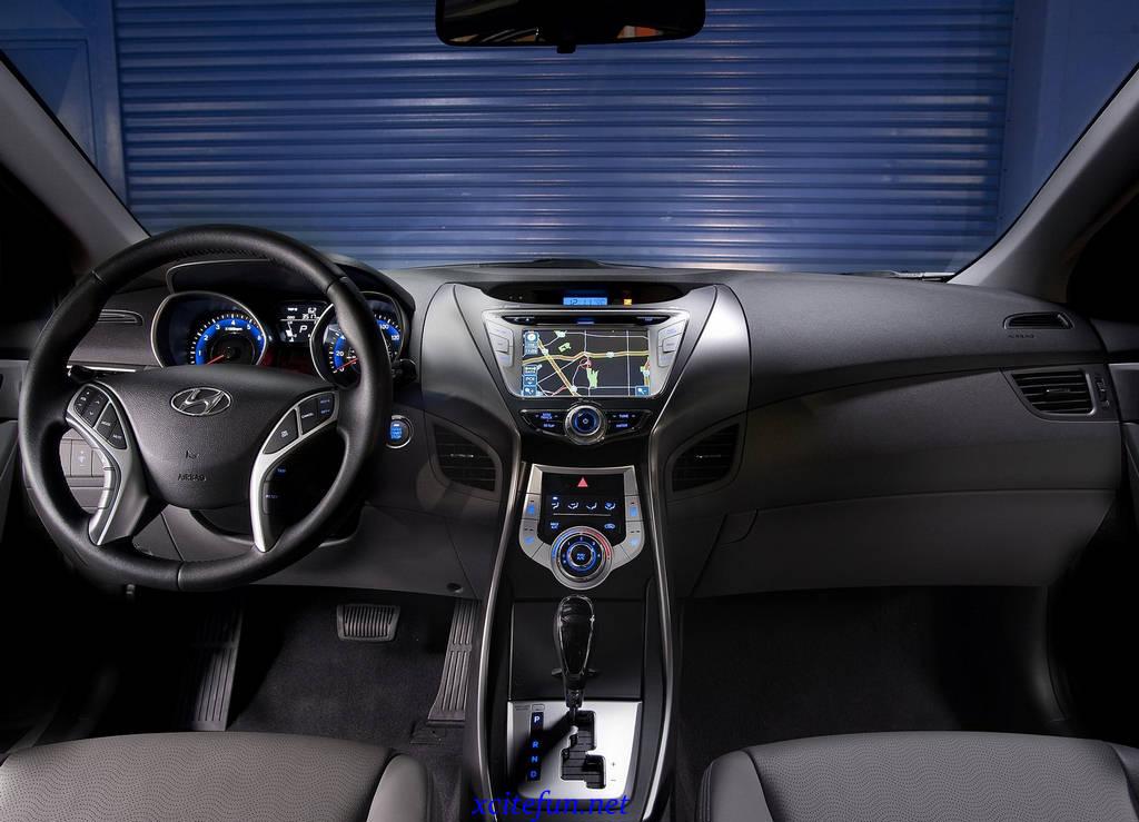 Hyundai Elantra 2010 Car Wallpapers : Automobiles