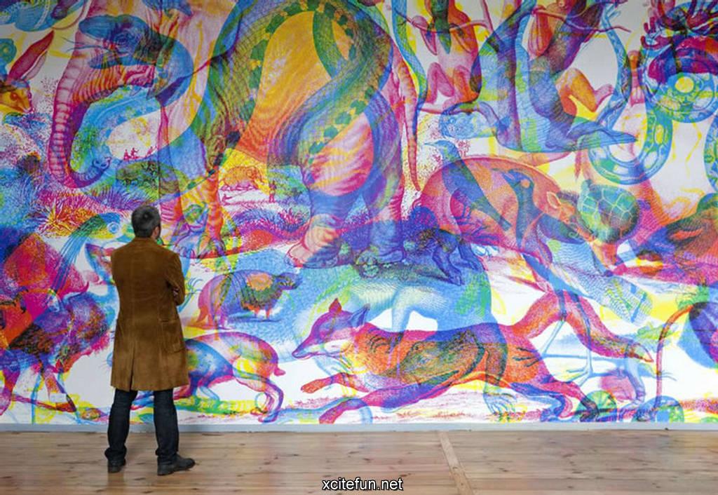 Different Color Lights RGB On Art Painting - Light Art ...