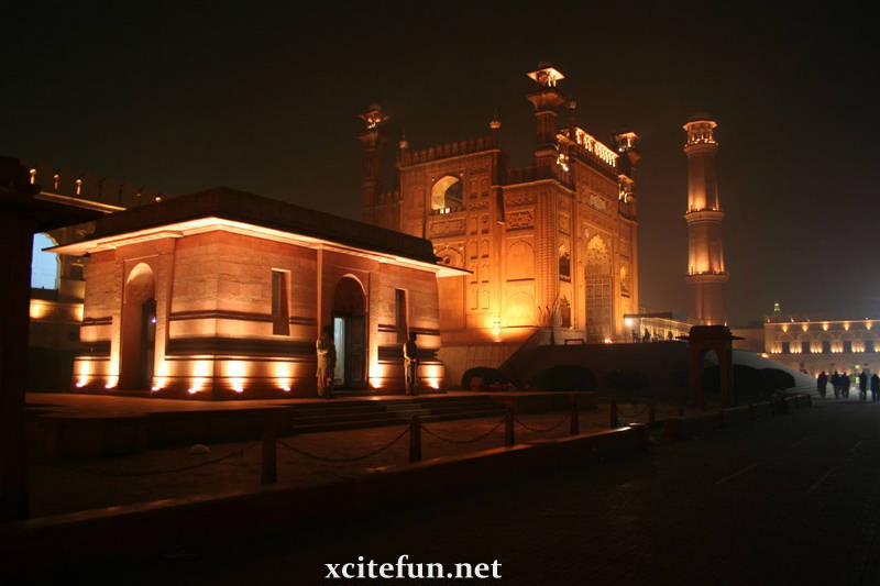 Lahore Travel  Famous Buildings of Lahore