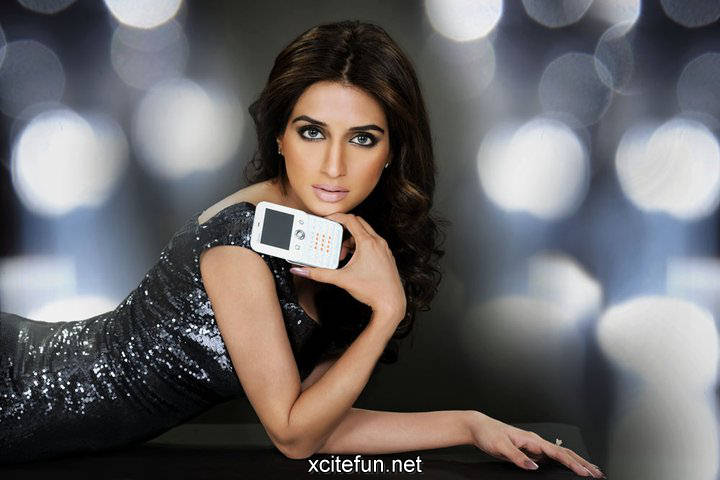 Iman Ali Stylish Photo Shoot For Q Mobile : Fashion, Beauty
