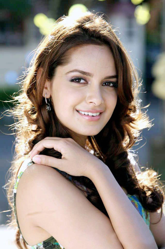 Shazahn Padamsee - Wallpaper Actress
