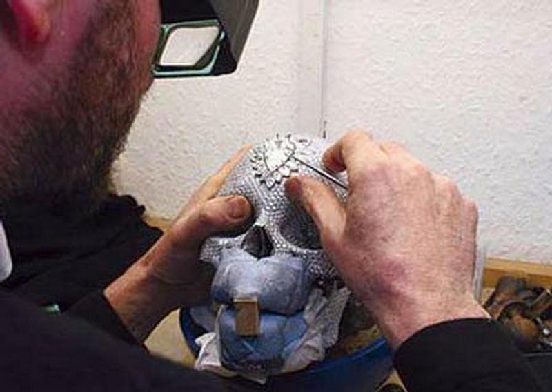 Unusual Diamond Skull By Damien Hirst Xcitefun Net