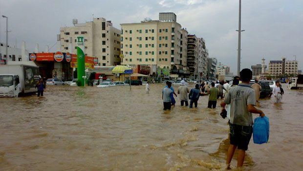 227741xcitefun sau floodsiteen - Rain Affected Saudi arabia