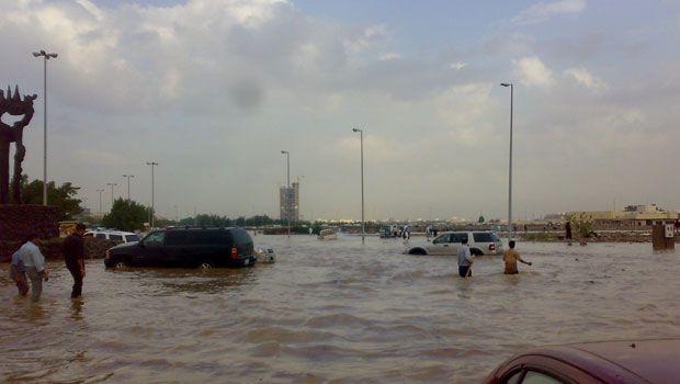 227742xcitefun sau floodsiteen2 - Rain Affected Saudi arabia