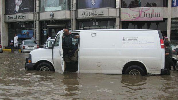227747xcitefun sau van - Rain Affected Saudi arabia