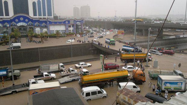 227752xcitefun sau rain tawfeeq01 - Rain Affected Saudi arabia