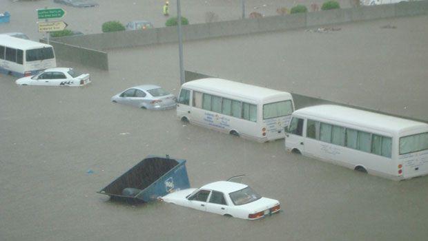 227756xcitefun sau pg6 - Rain Affected Saudi arabia