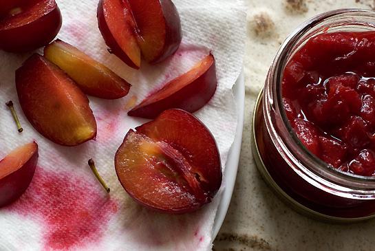 plum saucealu bukhara ki chutney Recipe