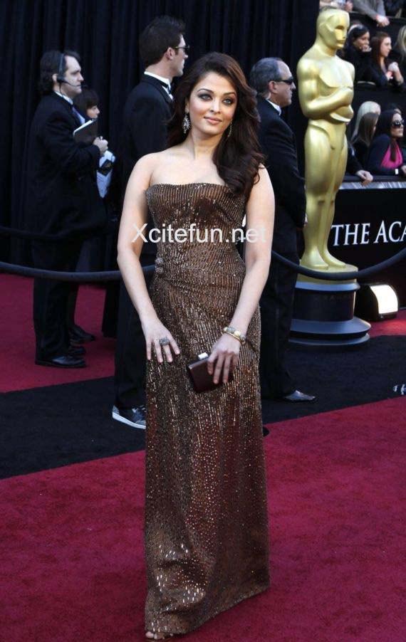 Aishwarya Rai At The Oscars 2011 Red Carpet Xcitefun Net