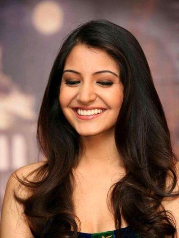 Anushka Sharma Cute Stills Xcitefun Net