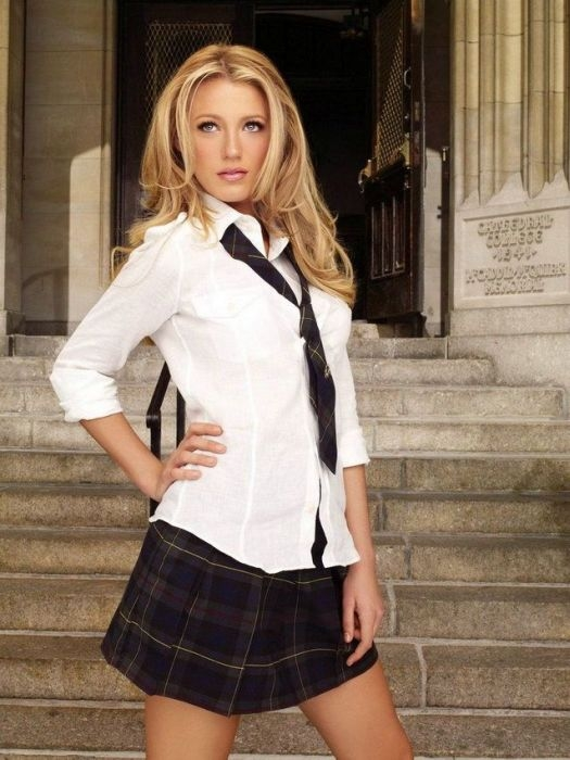 Hot And Naughty School Girls Pics