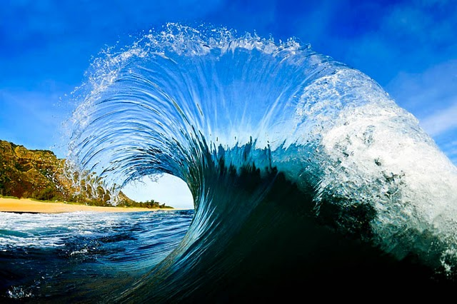 Inside a Wave  Mindblowing Photography