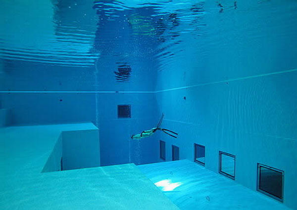 Deepest swimming pool in the world belgium - How deep is the average swimming pool ...